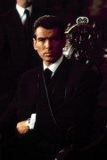 Джеймс Бонд 007: И целого мира мало / 007 The World Is Not Enough (Пирс Броснан, 1999) 4745c6292271550