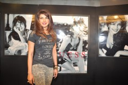 Priyanka Chopra - GUESS Holiday Campaign Unveiling in Mumbai on Novermber 29, 2013 - x40 HQ *ADDS*