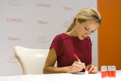 Petra Nemcova – Celebrates the Happy Heart Fund in Dallas