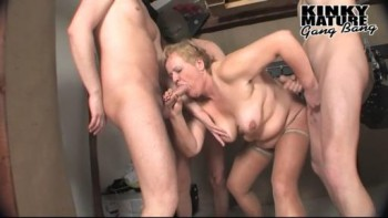 Women who love group sex