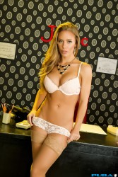 Nicole Aniston 'Office Solo' UHQ's x 29