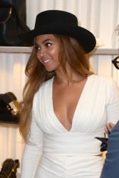 Beyonce - Giuseppe Zanotti Beverly Hills Store Opening 4/14/15