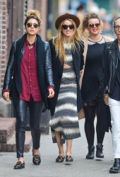 Amber Heard - Hanging out with friends in NYC 4/17/15