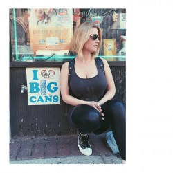 "Carrie Keagan Instagram Photo - ""I Love Big Cans"""