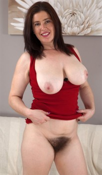 Hairy Amateur Milf Janey Cover