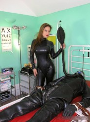 new 29.06.2015 Extreme Rubber Milking part 2
