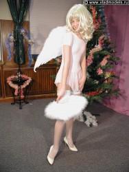 http://thumbnails108.imagebam.com/41968/03d465419673908.jpg
